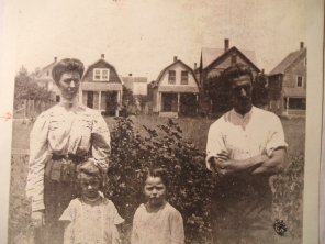 Lizzie Belle, Mary E. James F. & Elmer Sr ca. 1913